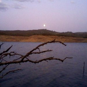 Moonrise New Melones Lake 2 03 OCT 2009